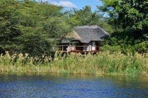chobe bakwena lodge from river