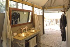 meno a kwena bathroom