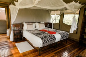 sango safari camp khwai double bed