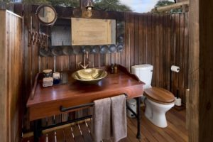 somalisa expeditions hwange bathroom