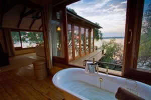tongabezi lodge livingstone dog house bath