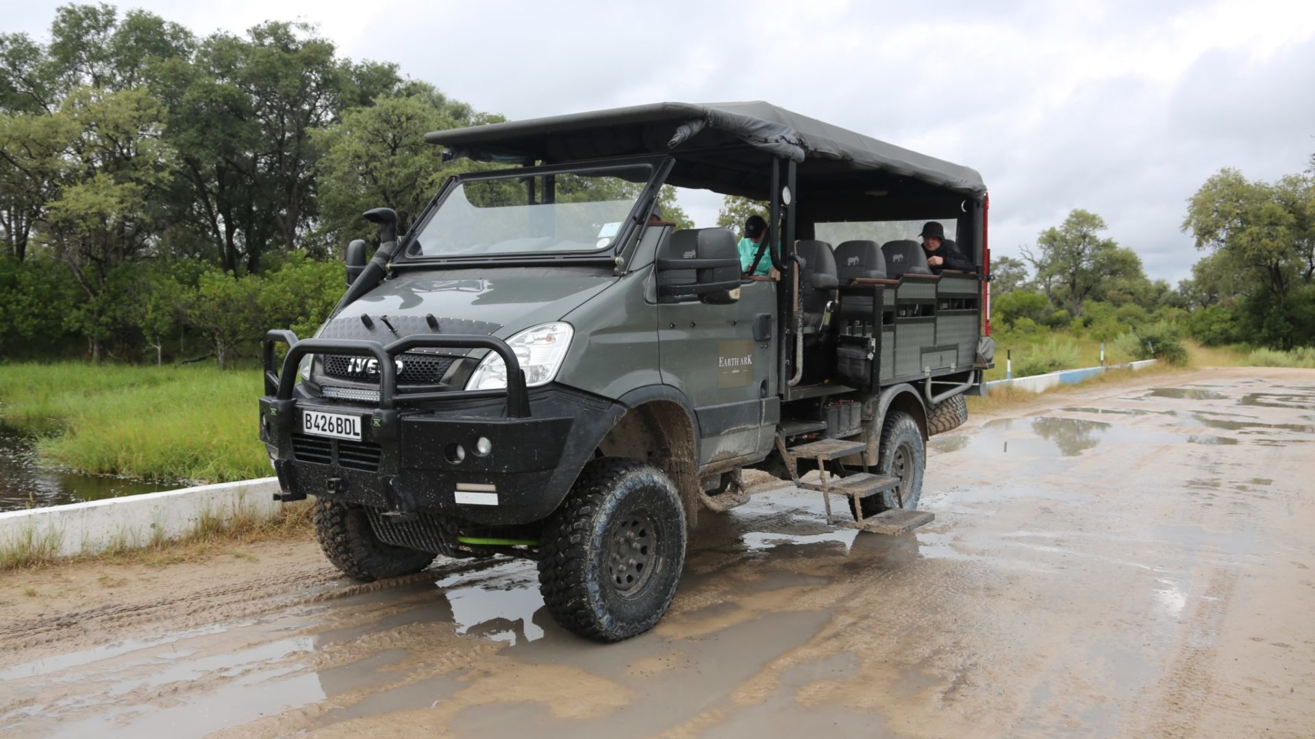 The beast iveco game viewer vehcile on road