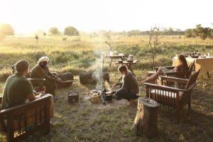 zambia luangwa valley luwi campfire dining