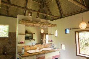 bwindi lodge uganda bathroom